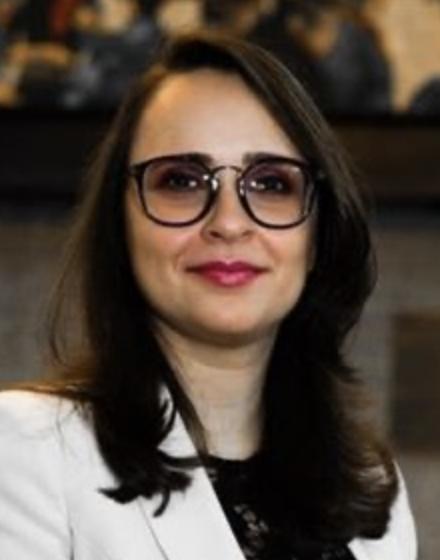 Daniela Alves Diretora Executiva na Centro de Estratégia, Inteligência e Relações Internacionais (CEIRI), professora titular do curso de Relações Internacionais do IBMEC-SP
