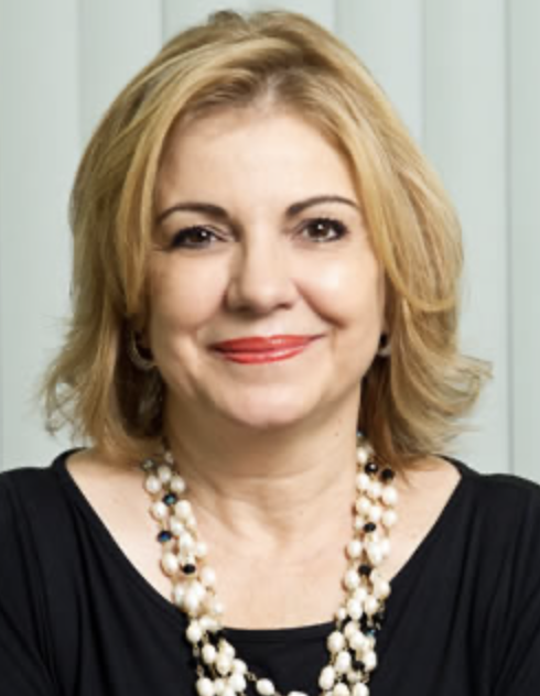 Amabile Pacios Professora, autora de livros didáticos, vice-presidente da Federação Nacional das Escolas Particulares, Diretora do Grupo Dromos Educacional
