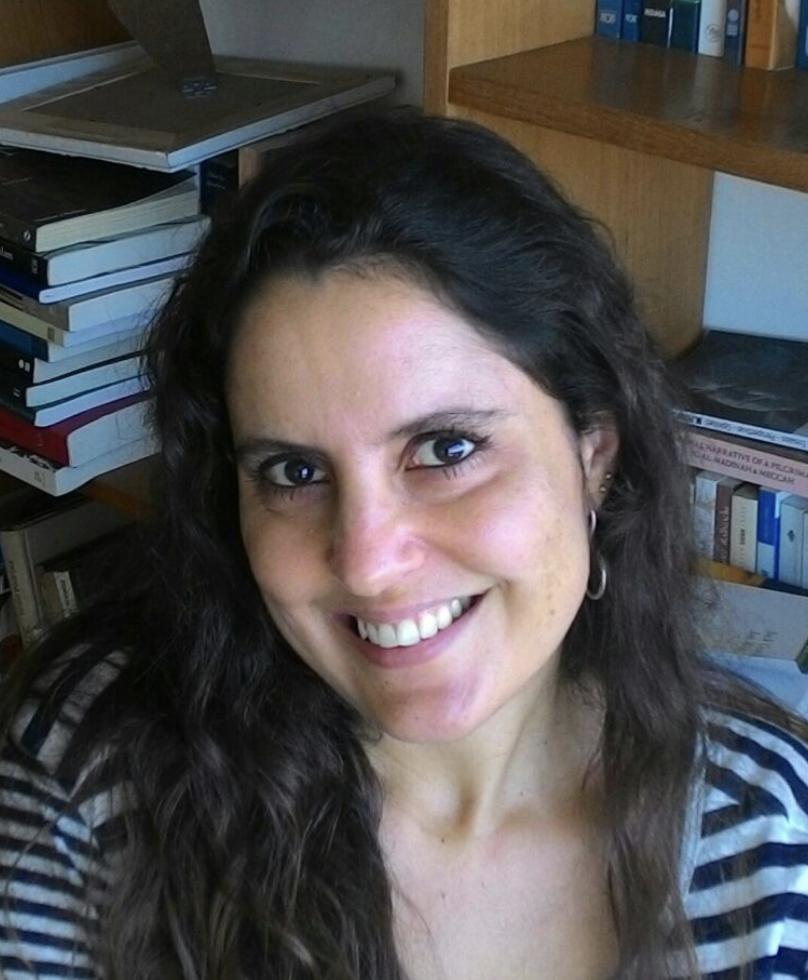 Liza Dumovich Doutora em antropologia no programa de pós-graduação e pesquisadora associada ao Núcleo de Estudos do Oriente Médio da Universidade Federal Fluminense, coordenadora do Centro de Estudos e Pesquisas do Oriente Médio da Universidade Cândido Mendes
