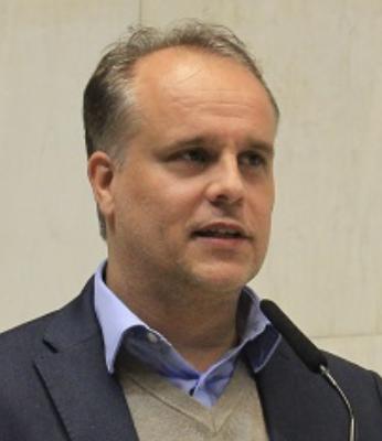 Adriano Giglio Sociólogo, professor e gestor público especializado em educação, assessor-chefe de planejamento e gestão da Secretaria de Estado de Educação do Rio de Janeiro